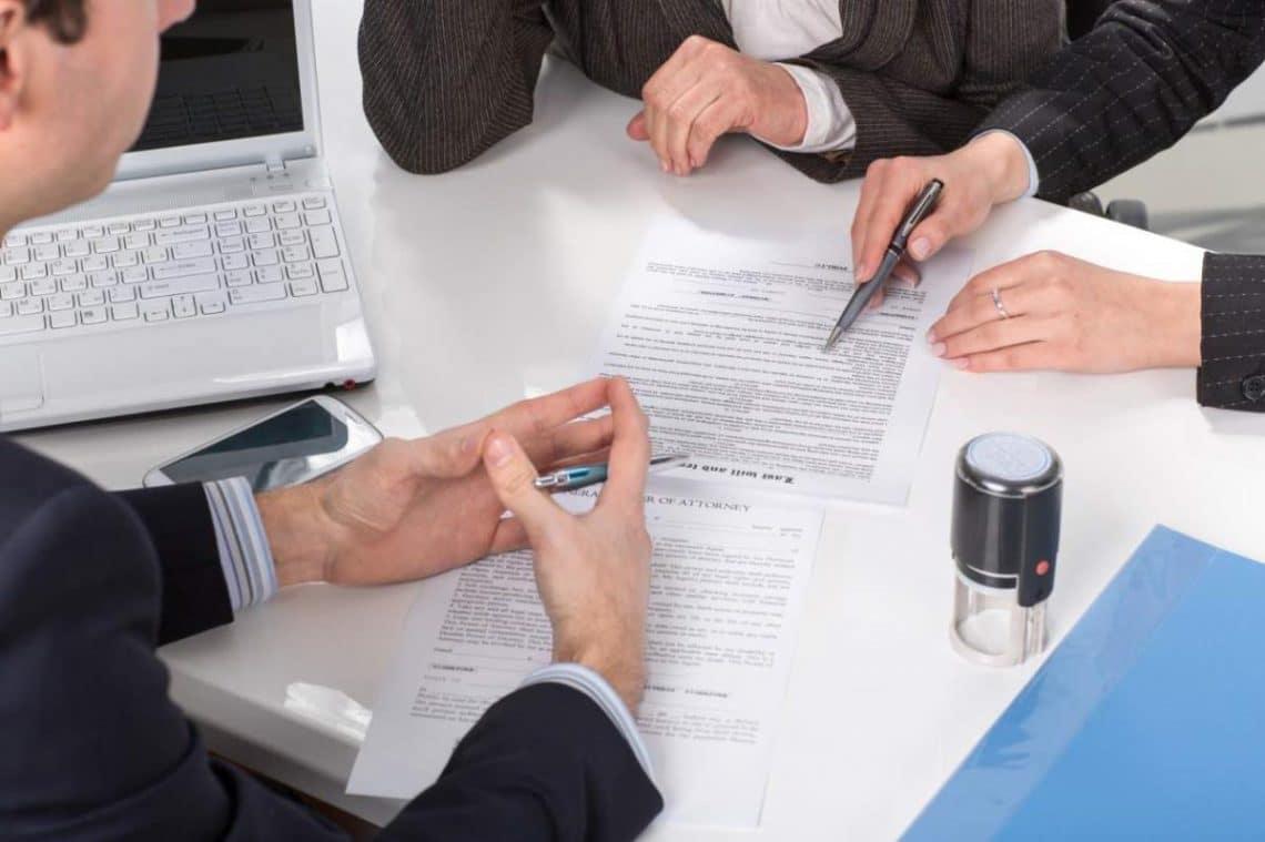 Création d'entreprise : Passer par un avocat est il obligatoire ?